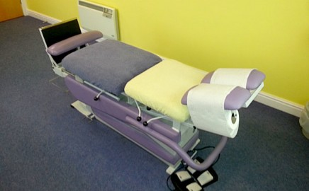 Our specialised medical room rental examination tables