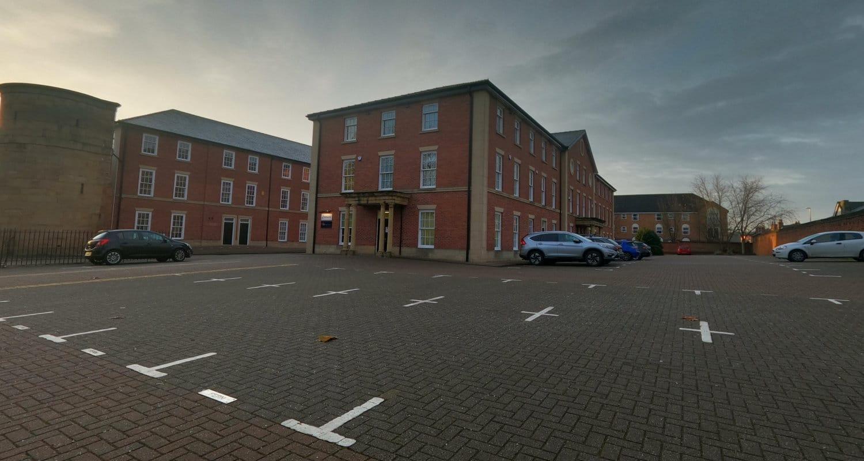 Car park for doctor room rental in Derby